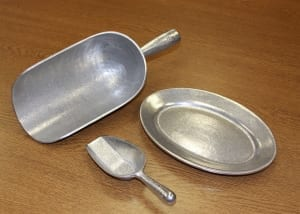 Scoops & Serving Trays