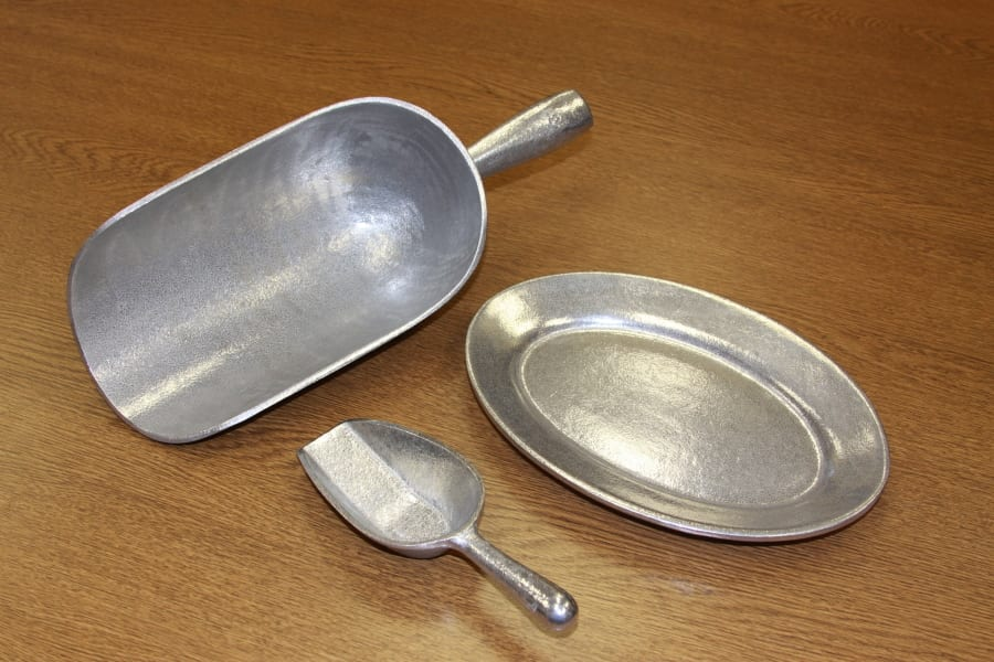 Cast Aluminum Scoops & Serving Trays for the Food Industry